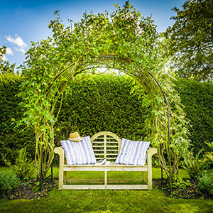 Pebworth Manor - relaxation bench